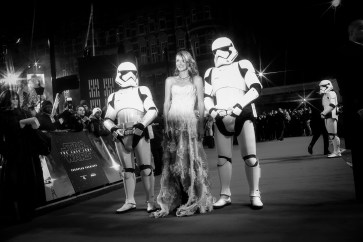 LONDON, UK DECEMBER 12: Laura Dern attends the European Premiere of Star Wars: The Last Jedi in the presence of HRH Duke of Cambridge and HRH Prince Harry at the Royal Albert Hall in London, UK on Tuesday 12th December 2017. *** Local Caption *** Laura Dern