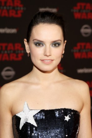 LOS ANGELES, CA - DECEMBER 09: Actor Daisy Ridley at Star Wars: The Last Jedi Premiere at The Shrine Auditorium on December 9, 2017 in Los Angeles, California. (Photo by Jesse Grant/Getty Images for Disney) *** Local Caption *** Daisy Ridley