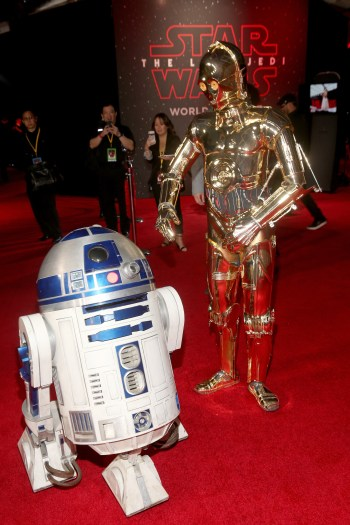 LOS ANGELES, CA - DECEMBER 09: R2-D2 (L) and C-3PO at Star Wars: The Last Jedi Premiere at The Shrine Auditorium on December 9, 2017 in Los Angeles, California. (Photo by Jesse Grant/Getty Images for Disney) *** Local Caption *** R2-D2; C-3PO