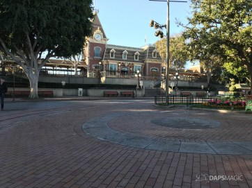 Disneyland Town Square Bricks With Walls Down in Spring-4
