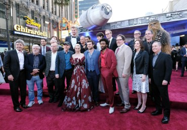 "HOLLYWOOD, CA - MAY 10: Cast and crew of ""Solo: A Star Wars Story"" attend the world premiere of ìSolo: A Star Wars Storyî in Hollywood on May 10, 2018. (Photo by Alberto E. Rodriguez/Getty Images for Disney) *** Local Caption *** Alan Horn; George Lucas; Clint Howard; Jonathan Kasdan; John Powell; John Williams; Joonas Suotamo; Ron Howard; Woody Harrelson; Emilia Clarke; Thandie Newton; Phoebe Waller-Bridge; Alden Ehrenreich; Donald Glover; Paul Bettany; Jon Favreau; Kathleen Kennedy; Simon Emanuel; Jason McGatlin; Alan Bergman"
