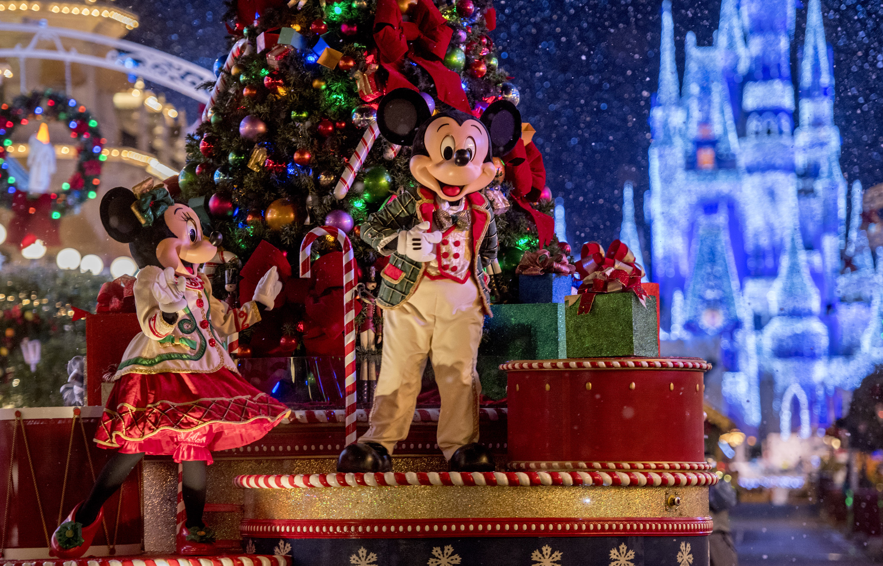 view larger image - Mickeys Christmas Party