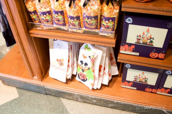 2018 Halloween Merchandise at the Disneyland Resort-20