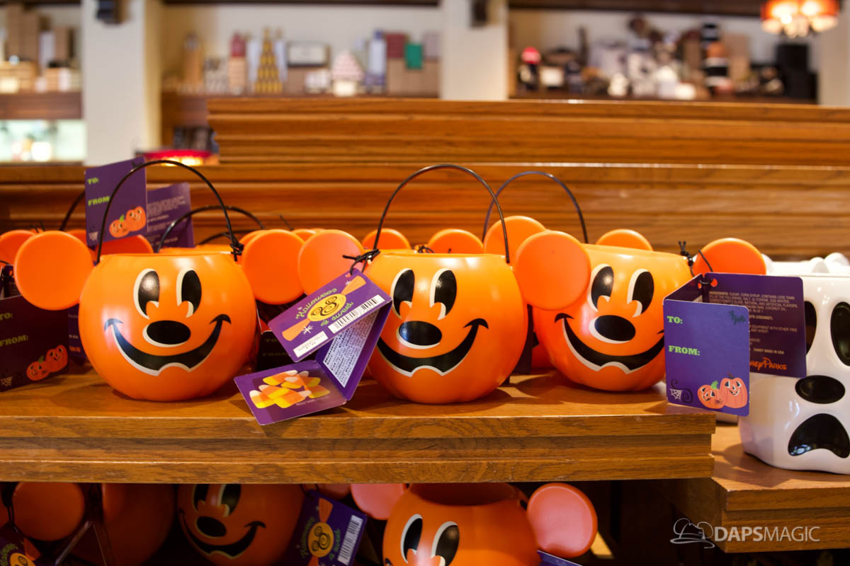 2018 halloween merchandise at the disneyland resort 21