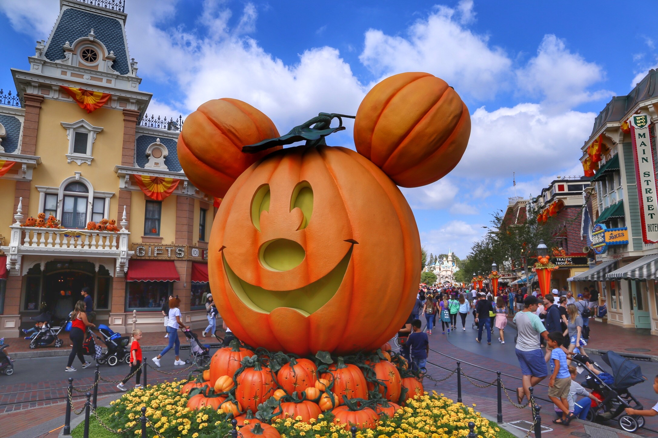Take a look at Halloween Time at the Disneyland Resort: Photo Report