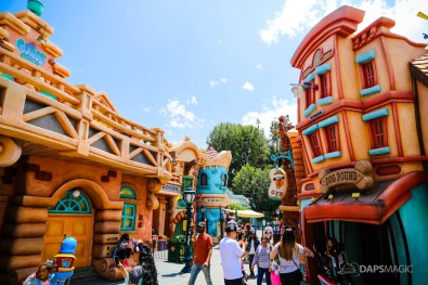 Mickeys Toontown on Day Mickey and Minnies Runaway Railway is Announced for Disneyland-14