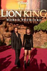 "HOLLYWOOD, CALIFORNIA - JULY 09: Chloe Bailey (L) and Halle Bailey attend the World Premiere of Disney's ""THE LION KING"" at the Dolby Theatre on July 09, 2019 in Hollywood, California. (Photo by Alberto E. Rodriguez/Getty Images for Disney)"