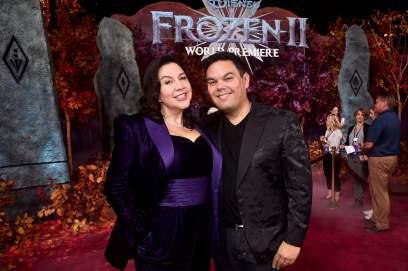 """HOLLYWOOD, CALIFORNIA - NOVEMBER 07: (L-R) Songwriters Kristen Anderson-Lopez and Robert Lopez attend the world premiere of Disney's """"Frozen 2"""" at Hollywood's Dolby Theatre on Thursday, November 7, 2019 in Hollywood, California. (Photo by Alberto E. Rodriguez/Getty Images for Disney)"""