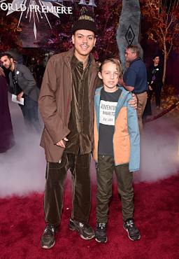 """HOLLYWOOD, CALIFORNIA - NOVEMBER 07: (L-R) Evan Ross and Bronx Wentz attend the world premiere of Disney's """"Frozen 2"""" at Hollywood's Dolby Theatre on Thursday, November 7, 2019 in Hollywood, California. (Photo by Alberto E. Rodriguez/Getty Images for Disney)"""