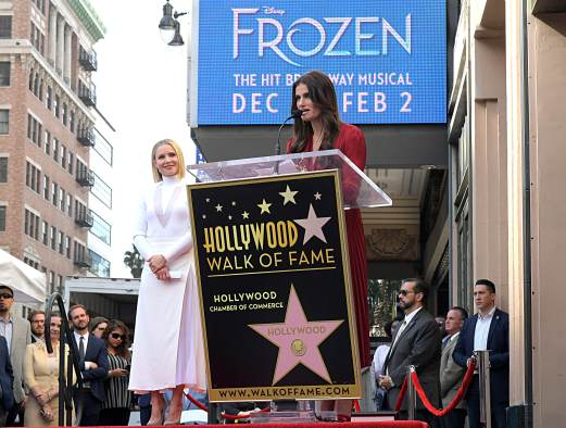 LOS ANGELES, CALIFORNIA - NOVEMBER 19: Kristen Bell and Idina Menzel from Disney's FROZEN 2 were each presented with a star on the Hollywood Walk of Fame in a double Walk of Fame ceremony in Hollywood, Calif., on November 19, 2020. (Photo by Charley Gallay/Getty Images for Disney )