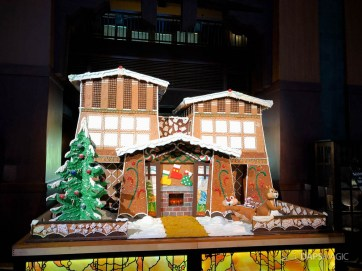 Grand Californian Hotel and Spa Gingerbread House-2