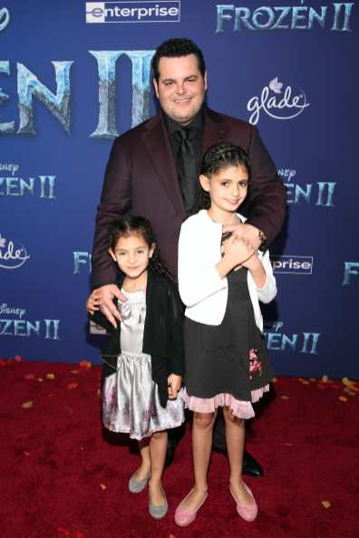 """HOLLYWOOD, CALIFORNIA - NOVEMBER 07: (L-R) Isabella Gad, Actor Josh Gad, and Ava Gad attend the world premiere of Disney's """"Frozen 2"""" at Hollywood's Dolby Theatre on Thursday, November 7, 2019 in Hollywood, California. (Photo by Jesse Grant/Getty Images for Disney)"""