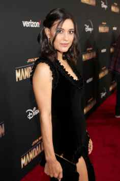 "HOLLYWOOD, CALIFORNIA - NOVEMBER 13: Julia Jones arrives at the premiere of Lucasfilm's first-ever, live-action series, ""The Mandalorian,"" at the El Capitan Theatre in Hollywood, Calif. on November 13, 2019. ""The Mandalorian"" streams exclusively on Disney+. (Photo by Jesse Grant/Getty Images for Disney)"