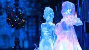 "Step into a Festive ""Frozen"" Wonderland at Shanghai Disney Resort this Holiday Season"
