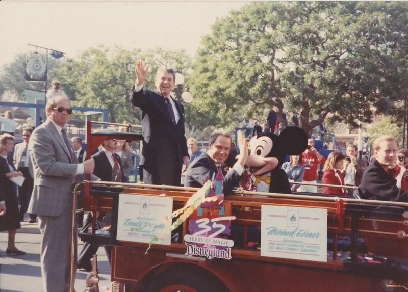Disneyland Debuts the 35th Anniversary – 30 Years Ago in Disneyland