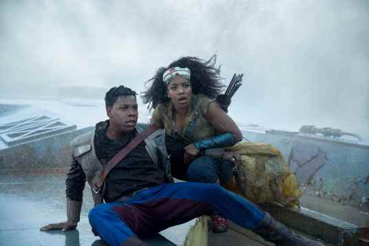 John Boyega is Finn and Naomi Ackie is Jannah in STAR WARS: THE RISE OF SKYWALKER.