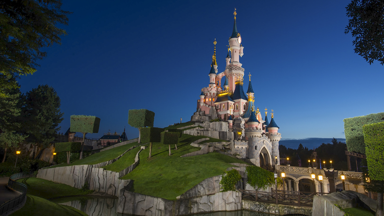 Disneyland Paris Remaining Closed Until February