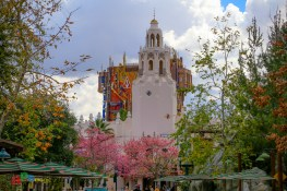 Carthay Circle Restaurant and Guardians of the Galaxy - Mission: Breakout! on a beautiful spring day