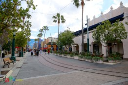 Looking at the Carthay Circle Lounge - Alfresco Dining