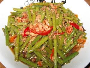 Resep Lontong Komplit Lebaran sambal goreng buncis