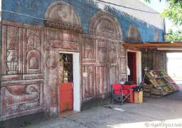 An interesting facade for a small vegetable shop at the plaza of San Gregorio.