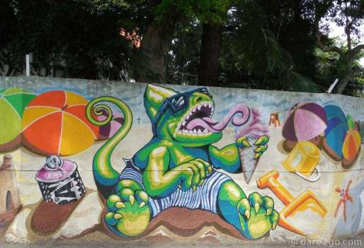 My favourite piece of Florianópolis StreetArt: a lizard sitting on the beach licking an ice cream cone. This is part of a long mural which surrounds a housing estate in the centre of the island.