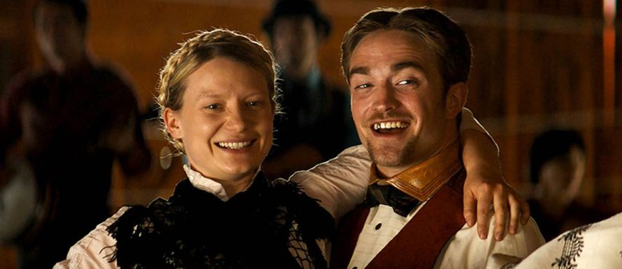 Robert Pattinson and Mia Wasikowska in Damsel