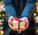 男子が感激しちゃう!女子からの理想の「クリスマスプレゼントの渡し方」4パターン