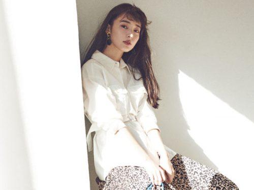 白シャツのおすすめ春コーデ6選。デザインと着こなしで今っぽく♡