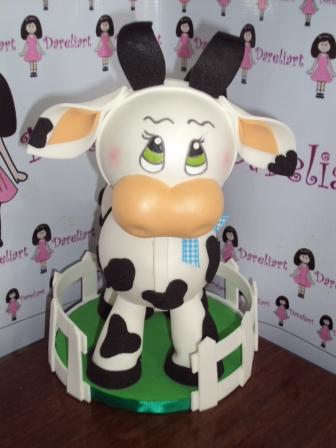 Boneca Vaquinha Em Eva 3d 30 Cm - Turma Da Fazendinha