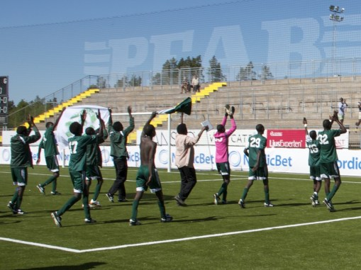 The 2014 Darfur United squad is  connecting with Ostersund, Sweden's supporters.