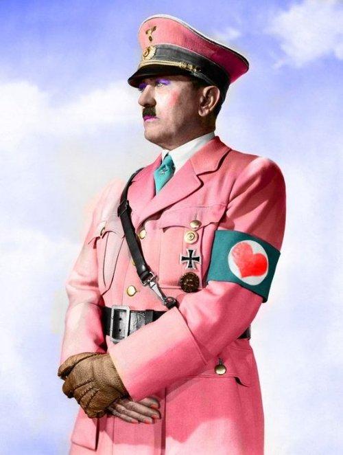 «Mio Padre Era Un Semplice Doganiere, Ma Io Avevo Un Sogno: Fare Il Pittore». Adolf Hitler