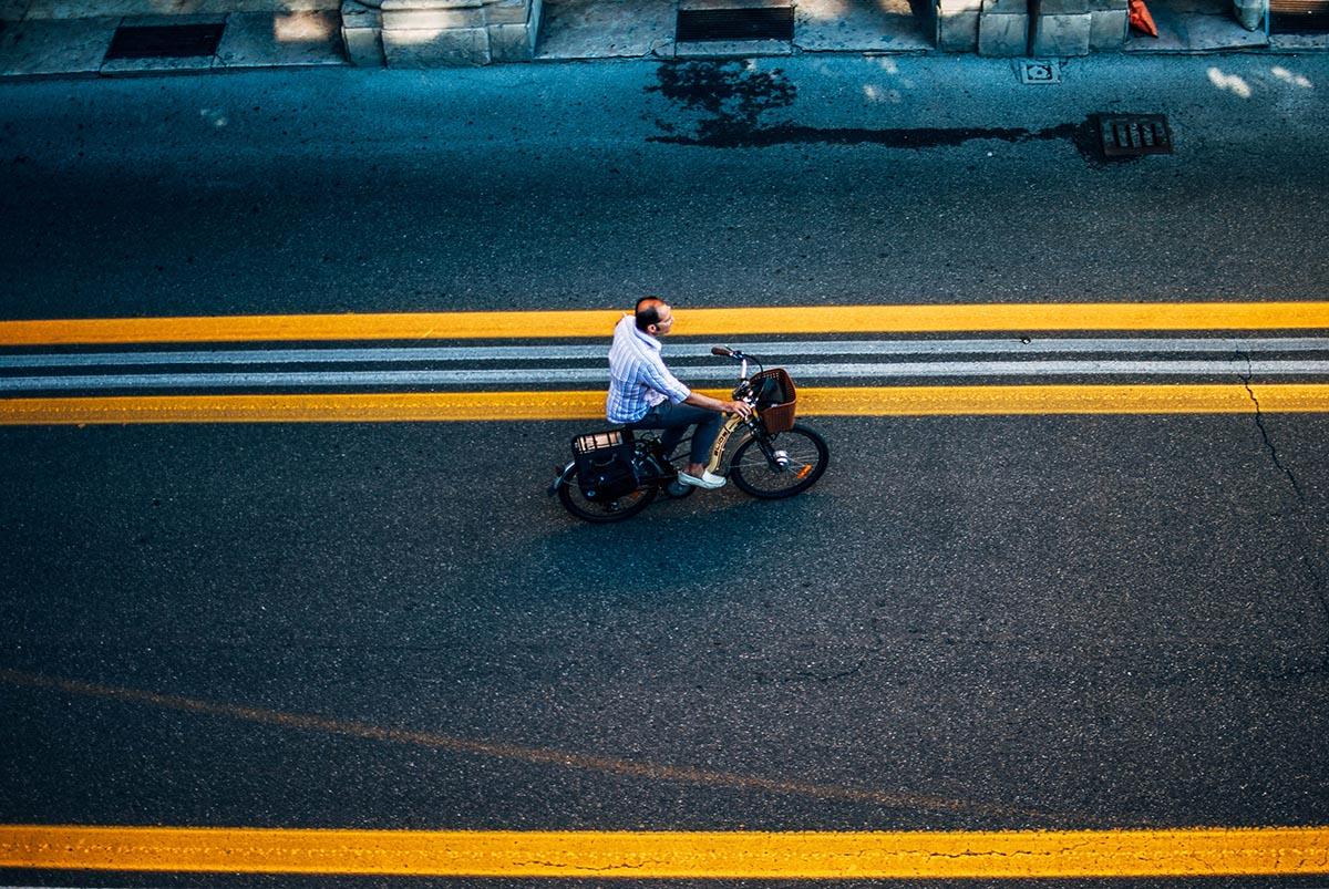 Ciclista a Bologna