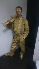 Живая статуя Гангстер
