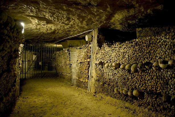 Catacombes de Paris, France