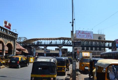 Skywalk at Bandra station, west side