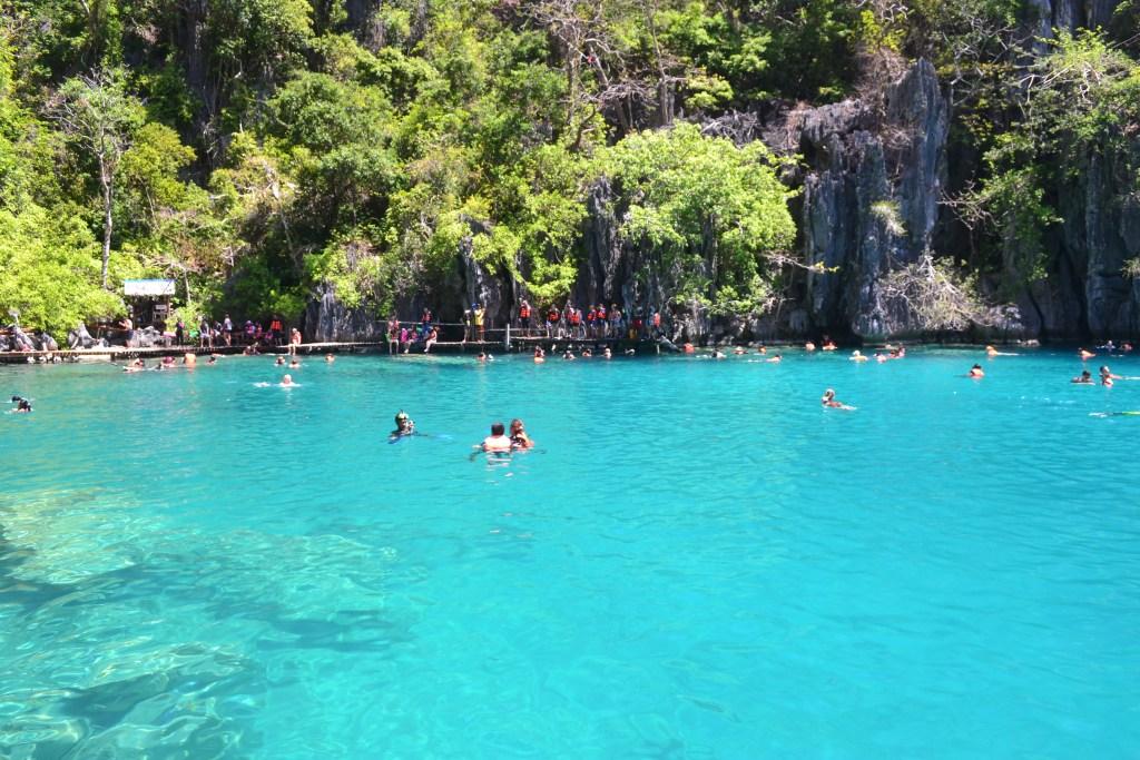 Blue water of Kayangan Lake