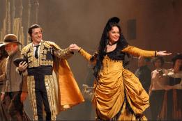 Alexander and Elena Maximova as Carmen ©Royal Opera House