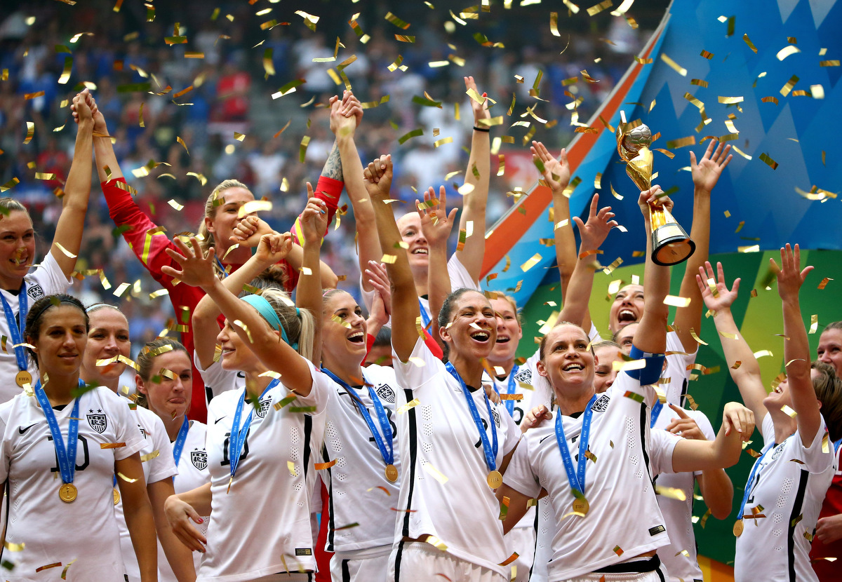 U S Dominates Japan 5 2 To Win The Fifa Women S World Cup