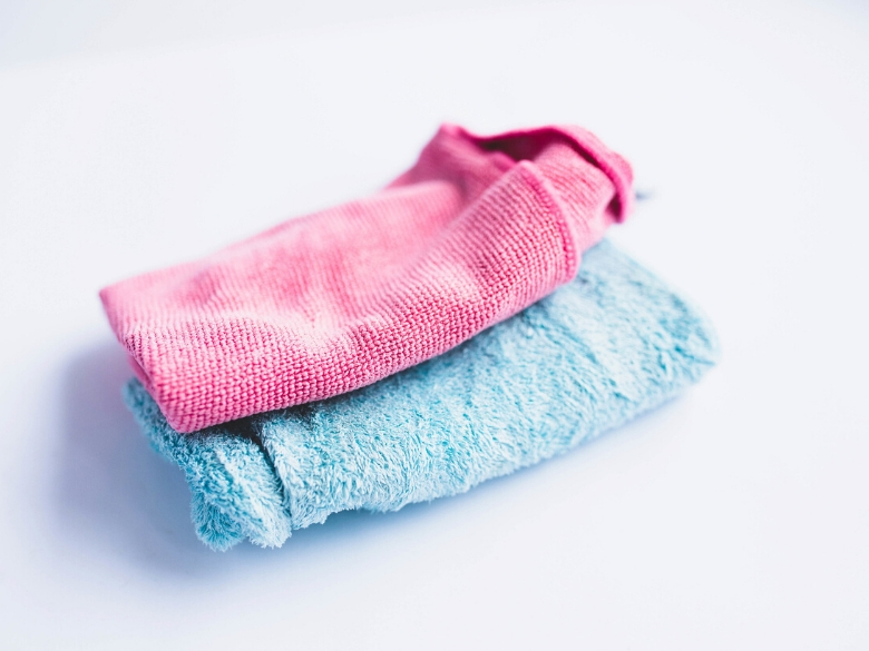 pink and blue microfiber cloths for cleaning vinyl records
