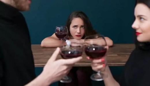 彼女がいるのに他の人を好きになる男性の特徴3つ|恋に落ちる瞬間&対処法