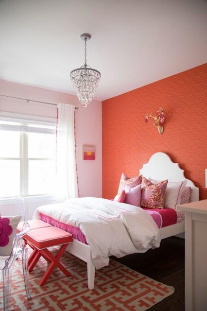 tween girl bedroom, tween girl coral and pink bedroom, gift bedroom, caitlin wilson pillows, serena and lily wallpaper