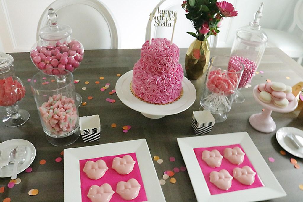 birthday-table-confetti-chocolate-lips