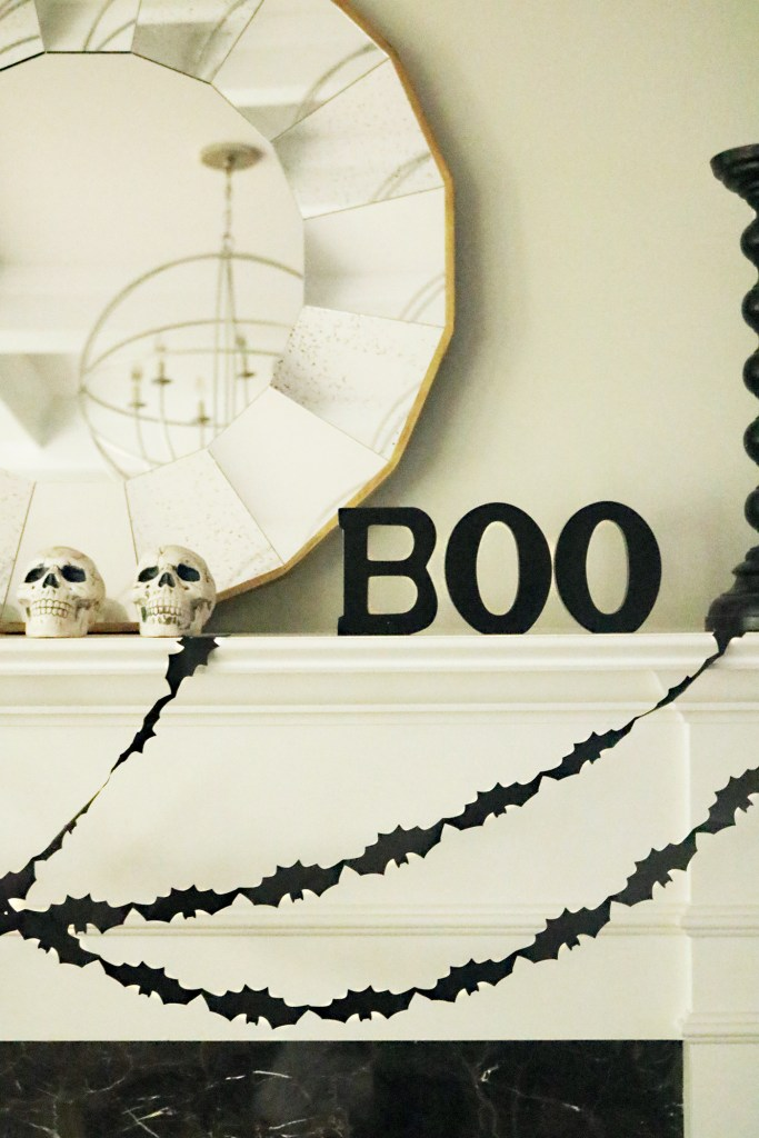 modern_halloween_mantle_decorations boo black and white