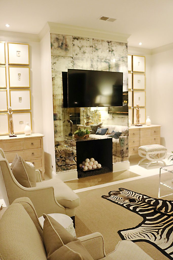 at-home-with-amy-howard-living-room
