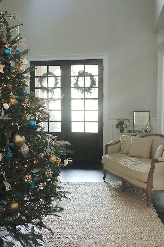 christmas-entry-way