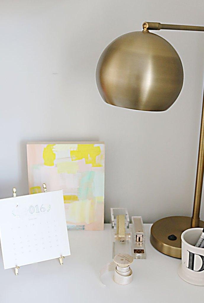 2016-desk-calendar-with-brass-lamp
