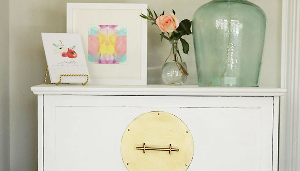 DIY Painted White and Gold Furniture: Amy Howard at Home One-Step Paint