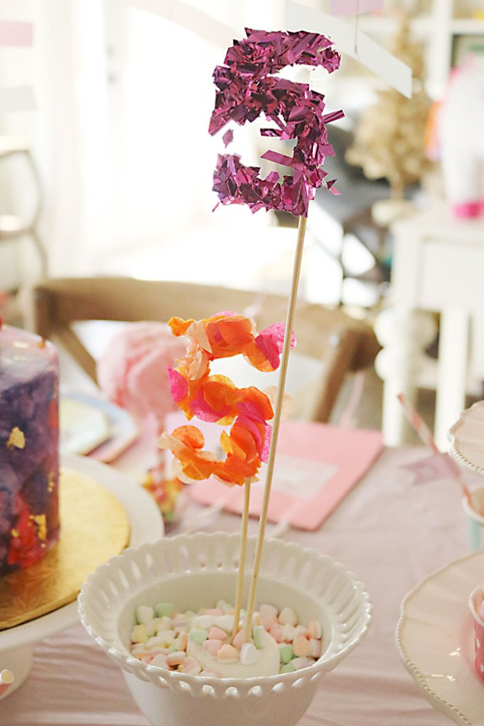 unicorn-birthday-party-confetti-skewers
