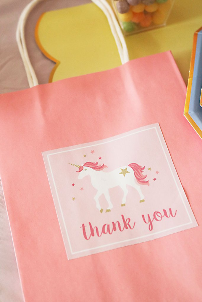 unicorn-birthday-party-thank-you-bags-up-close